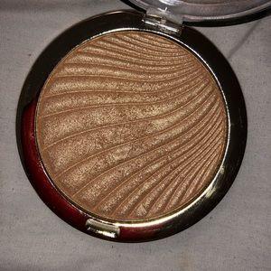 Milani Makeup - SOLD Milani highlighter and Rimmel Bronzer